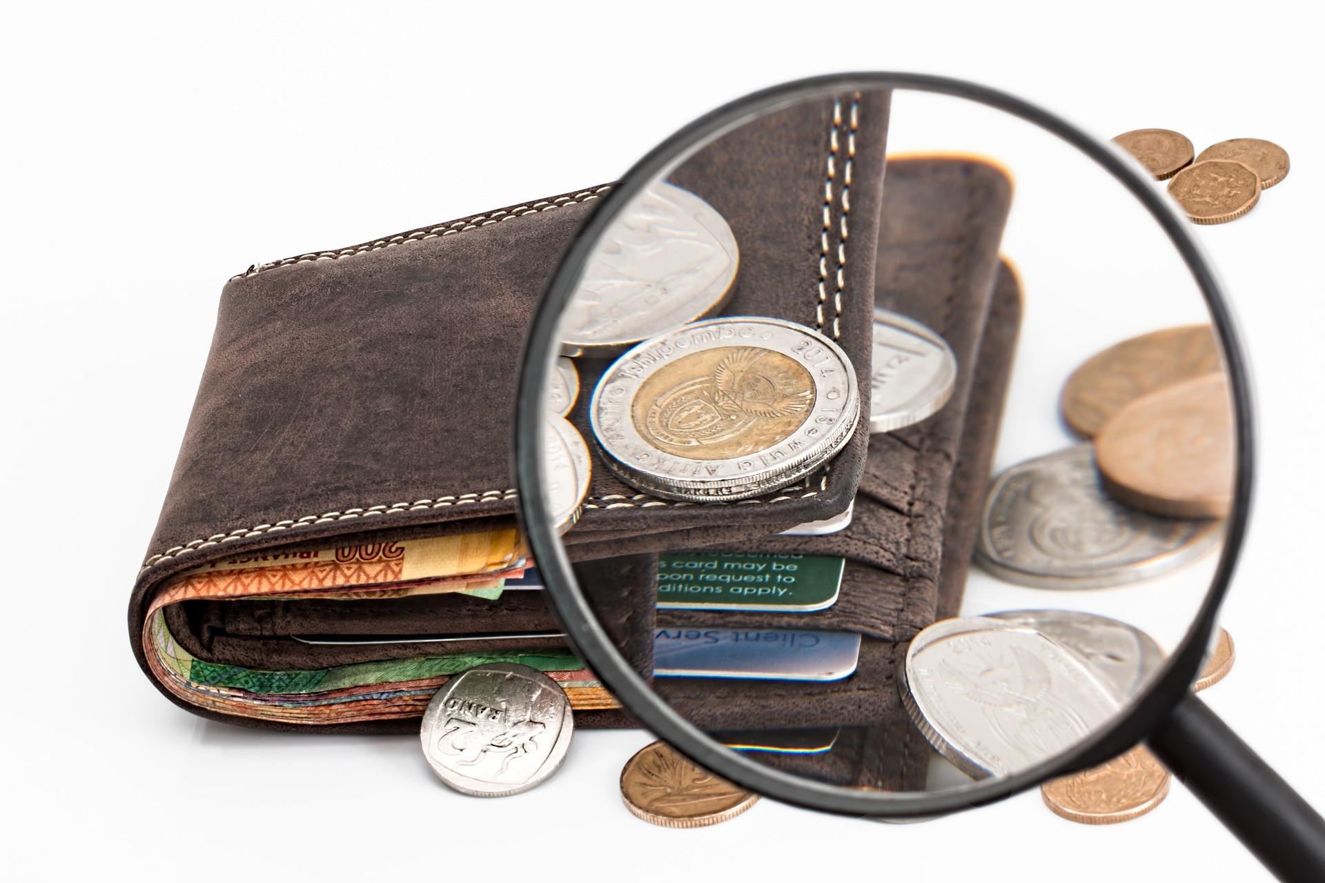 Mennyi pénzzel érdemes kimenni úgy külföldre, hogy van már állása,... és mennyivel, ha nincsen?